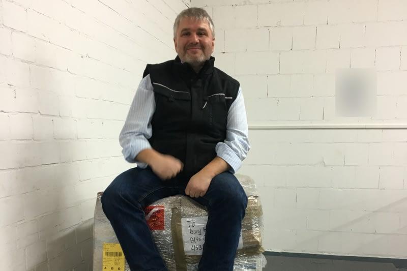 Peter Schedetzki auf einer Box800